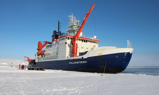 Follow the RV Polarstern
